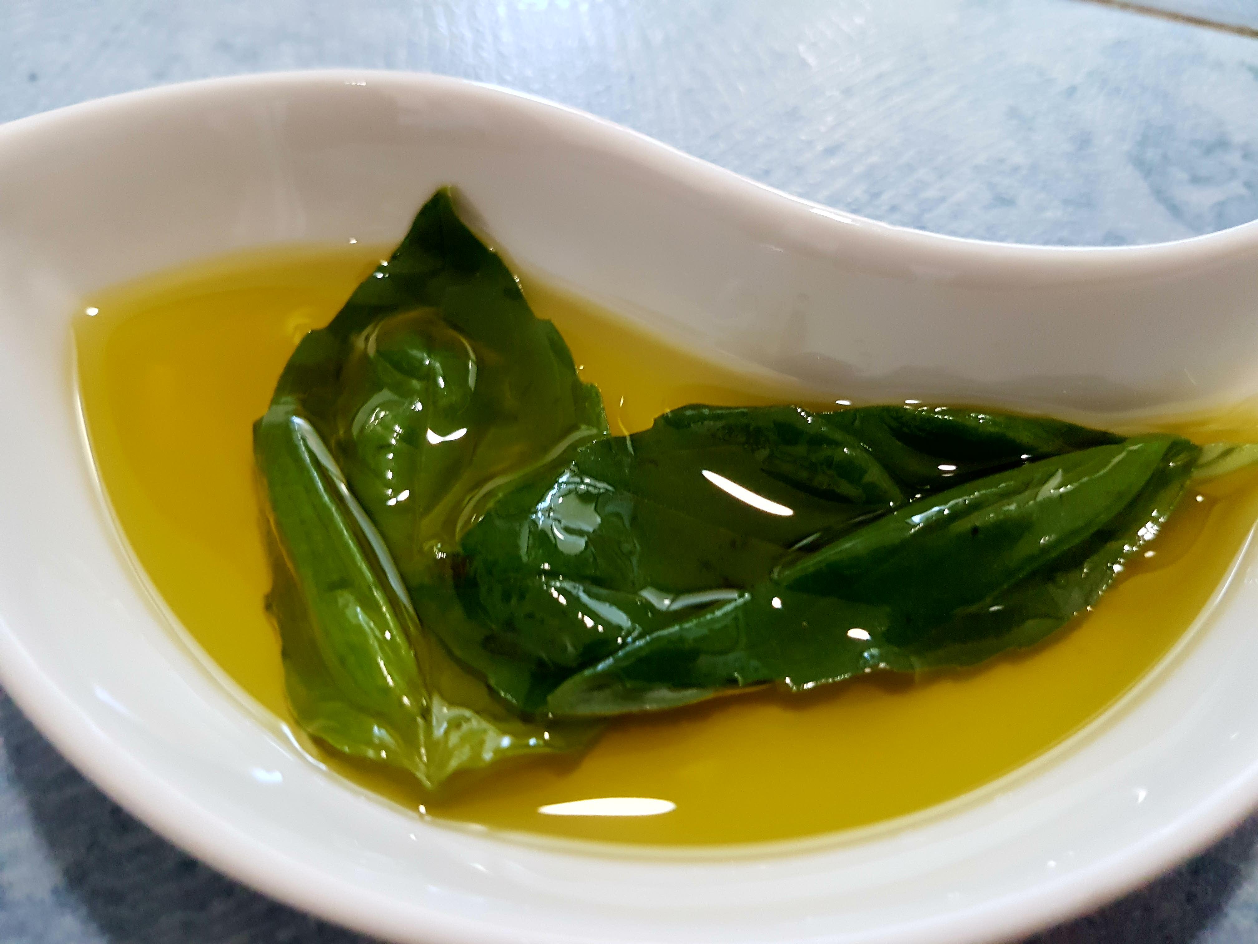 albahaca, aceite