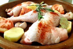 pollo,chicken,patatoes,garlic,aove, patatas, cherry, pimentón , paprika, spicy, grill,oil olive, tomate, tomato, romero,patata