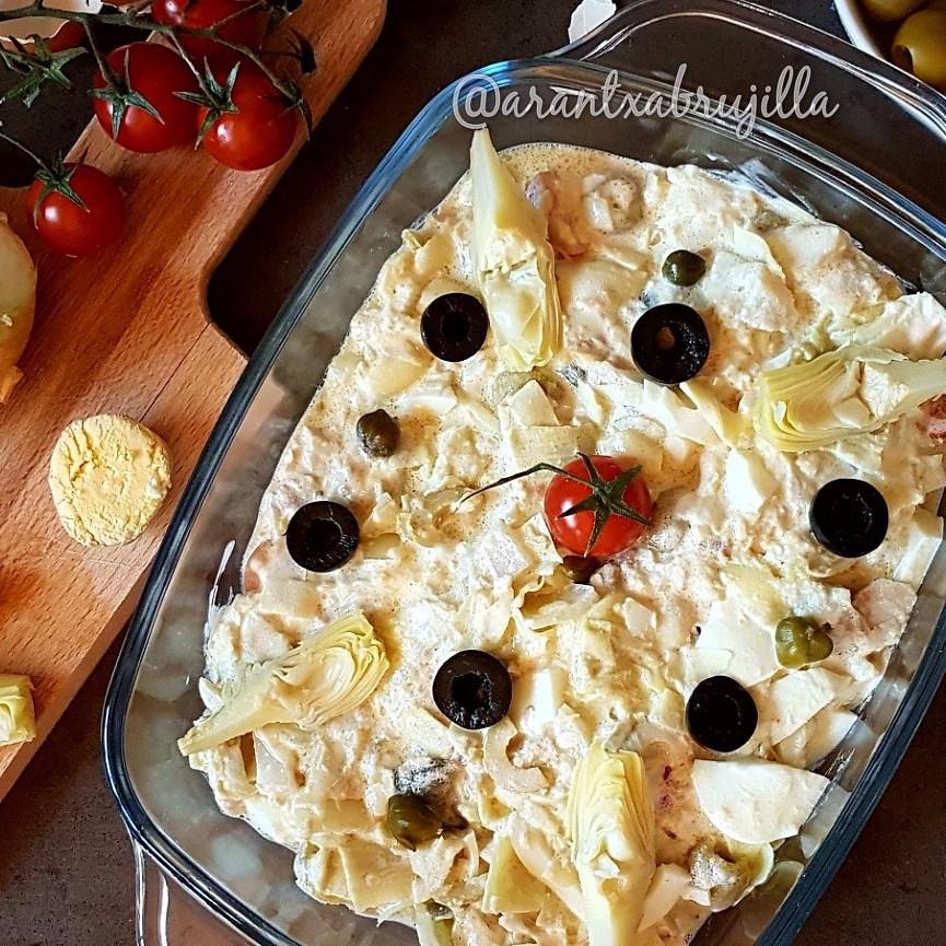 ensalada, ensaladilla, salad , alcachofas, atun , huevo, aceitunas, tunas, olives, onion, artichoke,cherry, egg, sabor