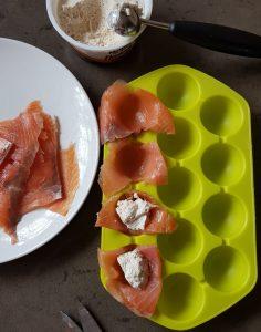 Bombones de salmón ahumado y queso con nueces