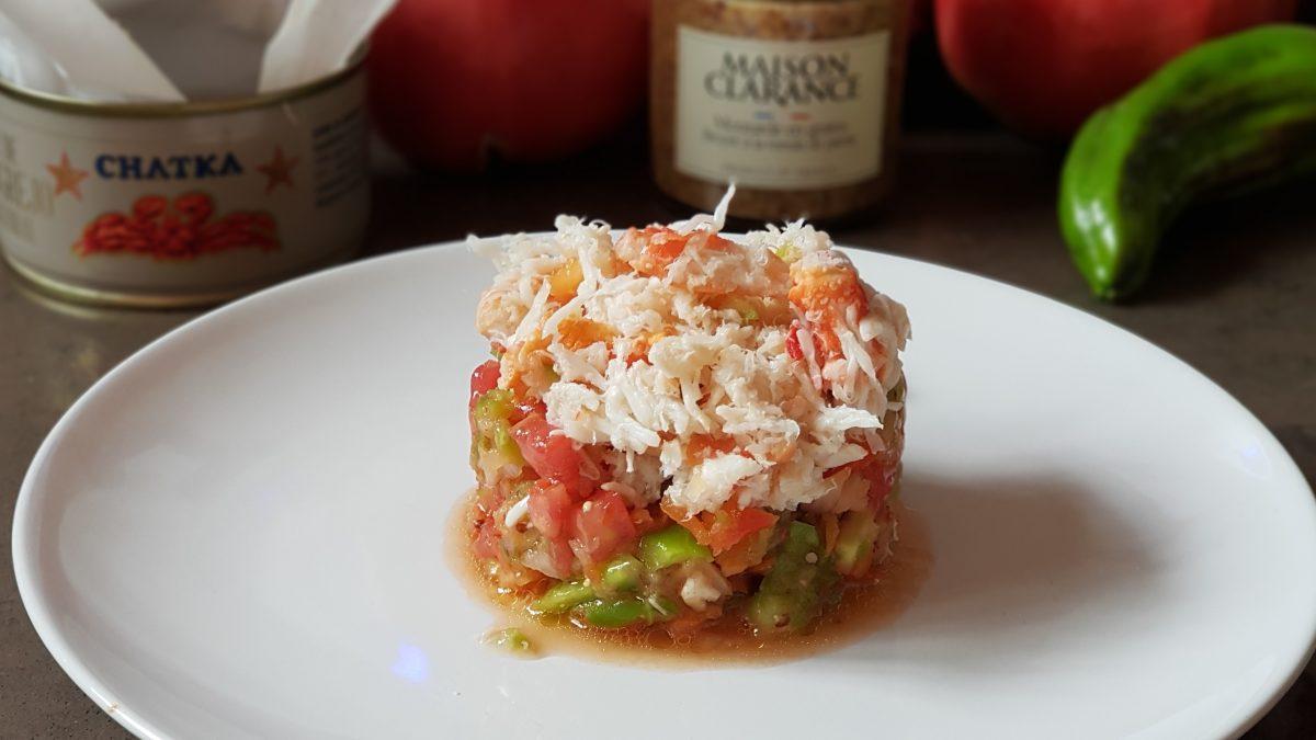 Tartar de verduras con cangrejo real